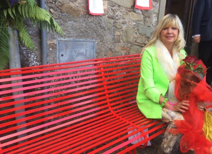"""""""festival delle frazioni"""" a Gragnanella di castelnuovo inaugurazione della 36° panchina rossa della valle del serchio"""
