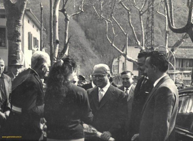 Visita del Presidente della Repubblica GIOVANNI GRONCHI a Borgo a Mozzano.