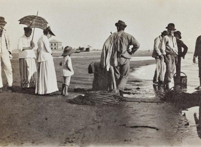 """VILLA ARGENTINA: inizio boom della mostra  """"Versilia – ricordi di un'estate al mare 1880-1940"""""""