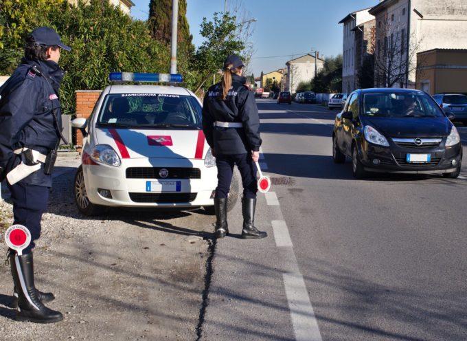 LUCCA – Tre persone denunciate dagli agenti della Polizia Municipale