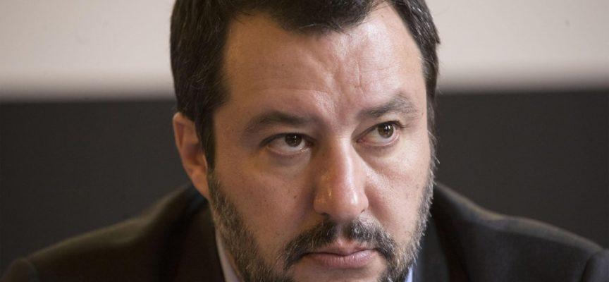 Salvini: 'chiudere cartelle Equitalia al di sotto di 100 000 euro'!