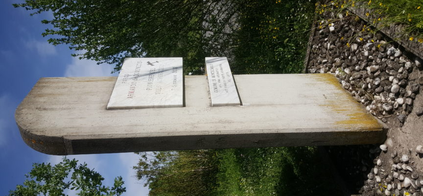 Montecarlo: CasaPound ripulisce il monumento all'aviatore Armando De Dominicis