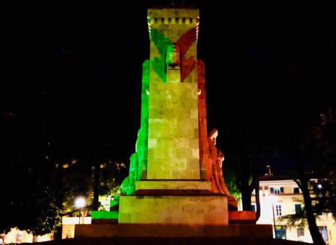 """Grande guerra: CasaPound e """"15-18"""", luci tricolori sui monumenti per la """"battaglia del solstizio"""""""