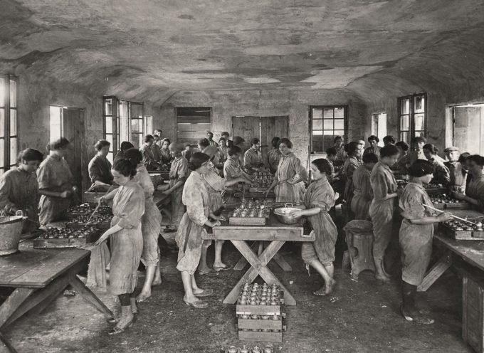 Accadde oggi, 7 Giugno: 1918, l'esplosione della Fabbrica delle bombe costruite dalle bambine, soccorse da Ernest Hemingway!!
