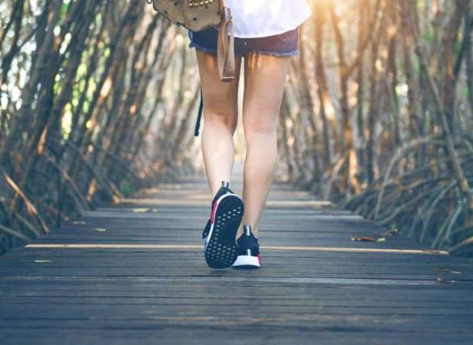 Camminare fa bene: cosa succede al cervello quando non ci muoviamo