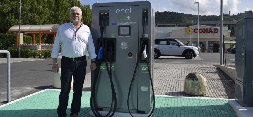 Alla Conad Massarosa una colonnina per le auto elettriche