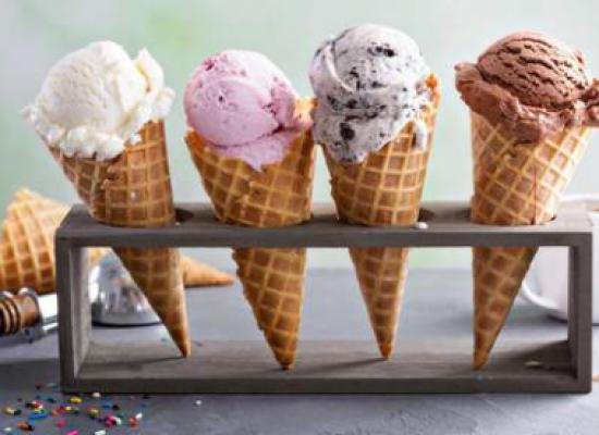 Perché non dovresti mangiare la punta del tuo cono gelato.