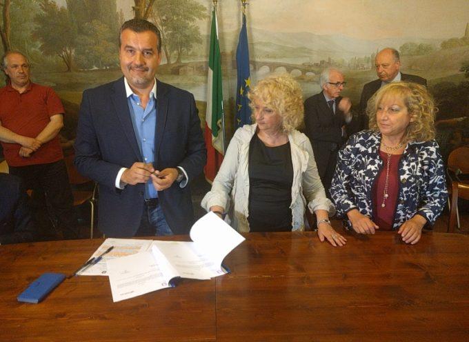 Il sindaco Fornaciari firma in Prefettura due protocolli  di intesa sulla sicureza, in arrivo nuove telecamere