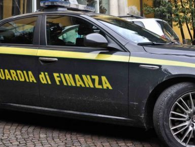 La Guardia di Finanza sequestra polizza vita da oltre mezzo milione di Euro ad imprenditore lucchese