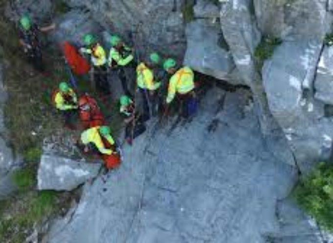 Esercitazione del Soccorso alpino alle pendici della Pania Secca
