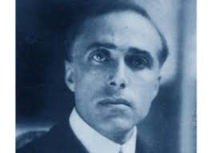 il deputato socialista Giacomo Matteotti (al centro della foto) fu rapito mentre stava passeggiando sul LungoTevere di Roma.