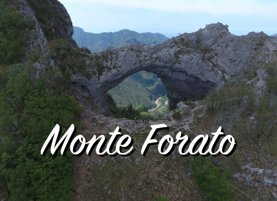 Con il Drone Attraverso il Monte Forato – Alpi Apuane