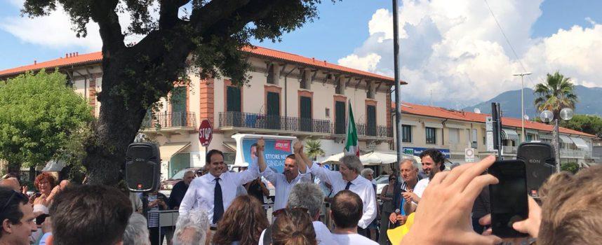 L´Ex Presidente del Consiglio, Paolo Gentiloni, oggi a Tonfano a sostegno del candidato di centrosinistra Ettore Neri