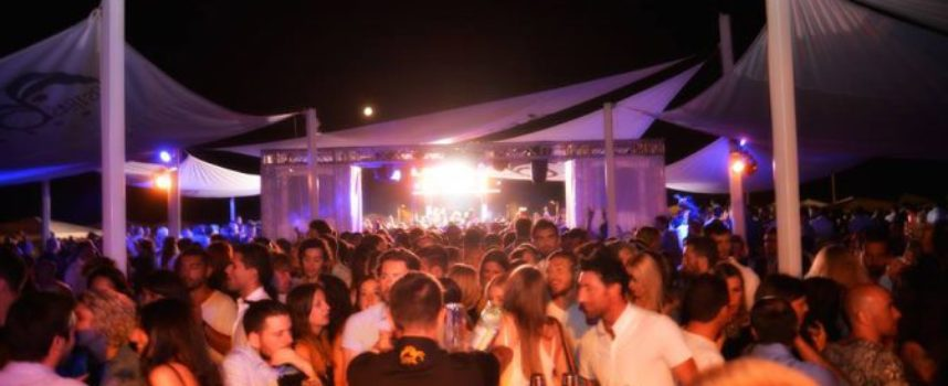 "Musica: notti d'autore all'Ostras Beach, venerdì con ""That's Amore & Ninety"""