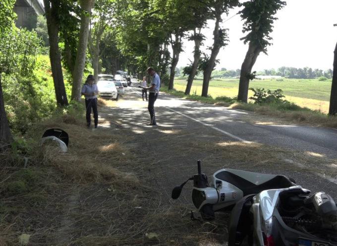 Scontro auto-scooter sulla Sarzanese: grave un 23enne di Bozzano