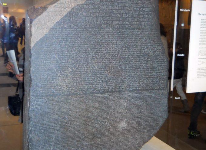 Accadde oggi, 15 Luglio: la scoperta della Stele di Rosetta e il mondo si apre alle antichità egizie