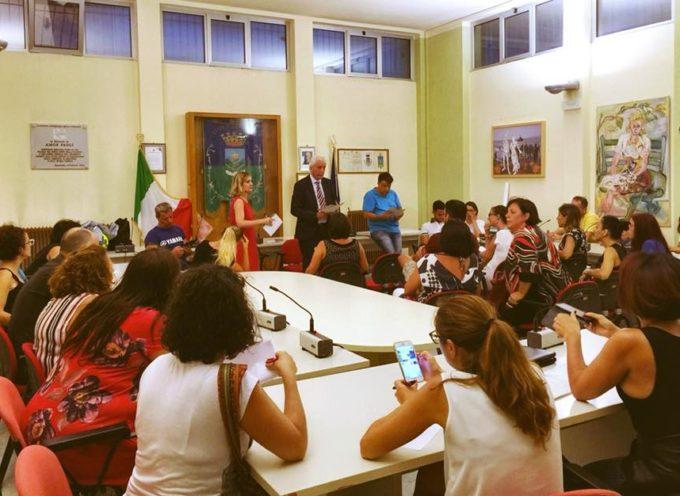 """Scuola: inagibile la primaria """"Frediani"""" del capoluogo. L'Amministrazione Comunale ha incontrato le famiglie per valutare le possibili sedi alternative"""