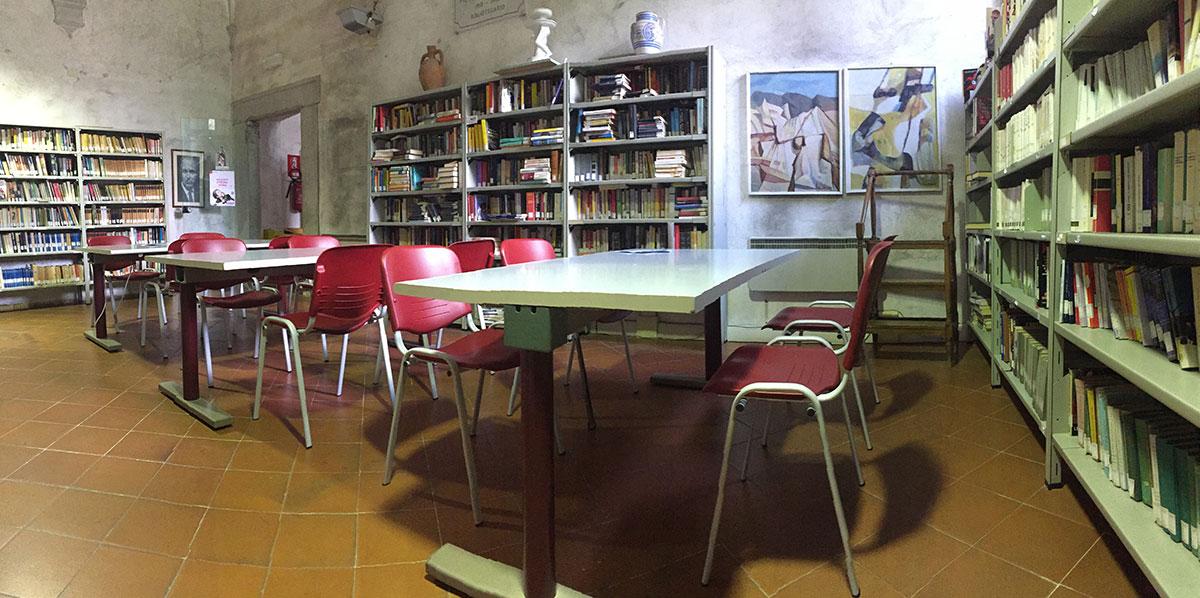 Cultura nuovi arredi per la biblioteca di seravezza for Nuovi arredi