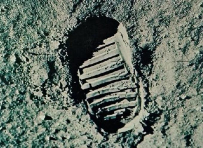 """Accadde oggi, 21 Luglio: 1969, """"Un piccolo passo per l'uomo, grande per l'umanità"""", l'uomo scende sulla Luna, ma rimane sempre lo stesso!"""