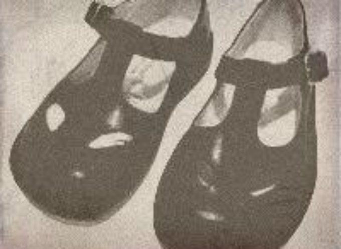 "I sandaletti ""occhialoni"" chi li ha portati alzi la mano???"