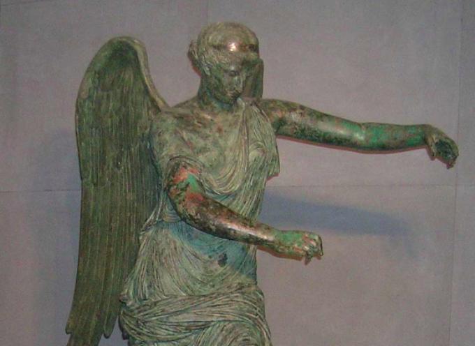 Nell'Antica Roma, 3 Agosto. Festa della Vittoria, con proprio altare nel Senato