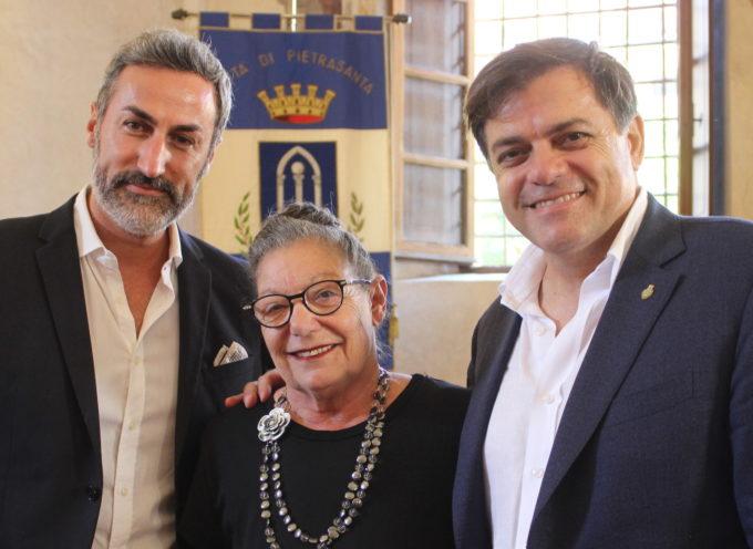 Paola Brizzolari Presidente del Consiglio, il neo sindaco Giovannetti giura e indossa la fascia