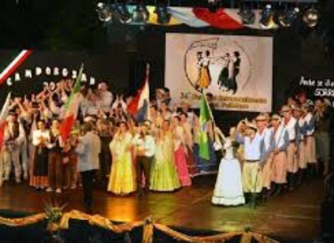 Un successo la serata del folclore a Camporgiano