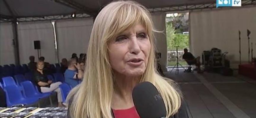 """Dori Ghezzi a Castelnuovo racconta il """"suo"""" Faber"""