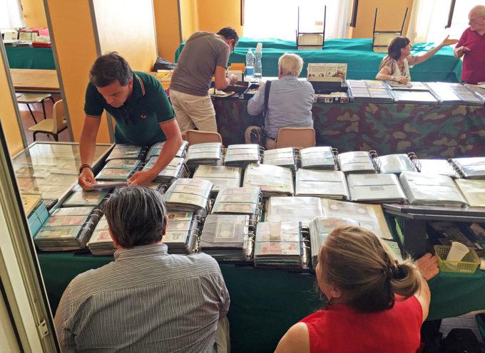 Mostra-Convegno Filatelica Numismatica: collezionisti ed esperti per due giorni a Querceta nel segno di Michelangelo