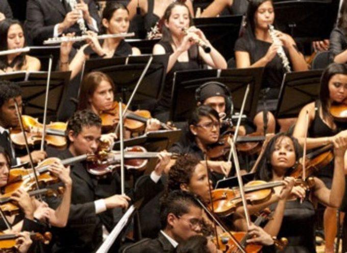La Francigena Chamber Orchestra in concerto a Nozzano Castello Domenica 5 agosto classici di musica da camera e colonne sonore