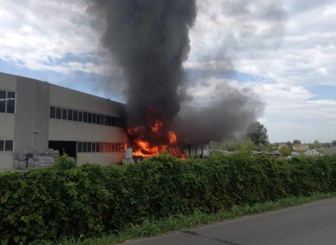 Incendio a Pietrasanta, aggiornamenti dalla Protezione Civile di Seravezza