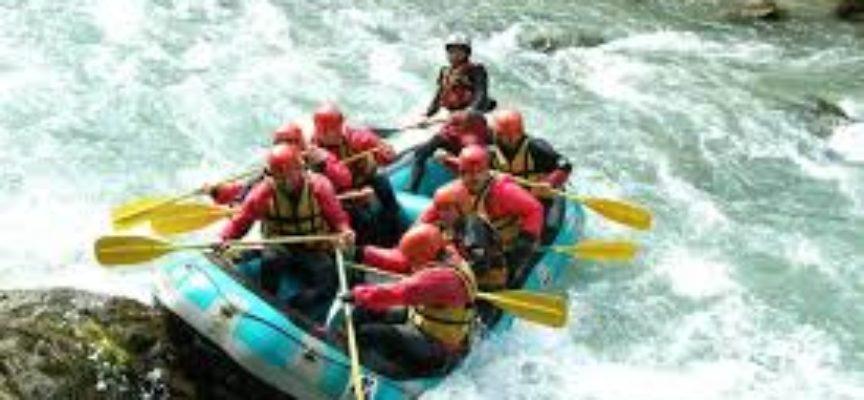 Due giorni di rafting sotto la Rocca