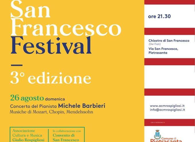 San Francesco Festival, concerto di pianoforte nel Chiostro di San Francesco a Pietrasanta