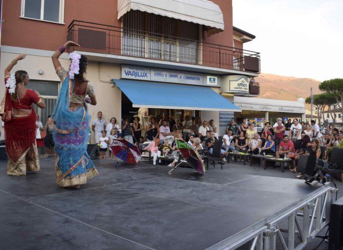 Aperitivo danzante a Camaiore Spettacolo di danza e musica alla Pasticceria Da Rossano