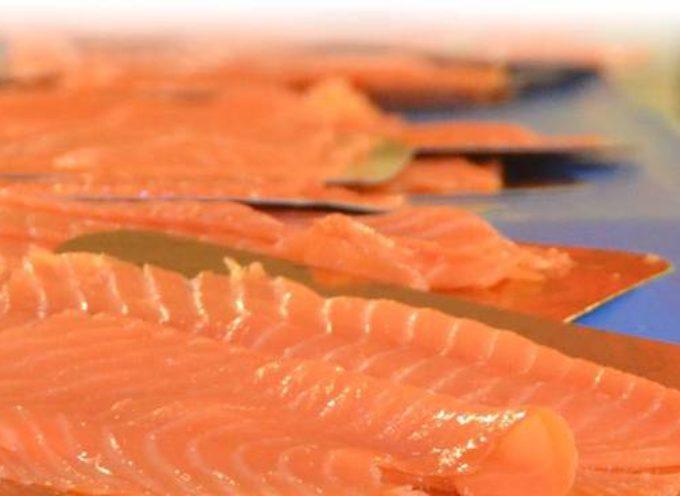 """""""Salmone a rischio listeria"""", Coop richiama dal mercato un lotto di salmone affumicato preaffettato."""