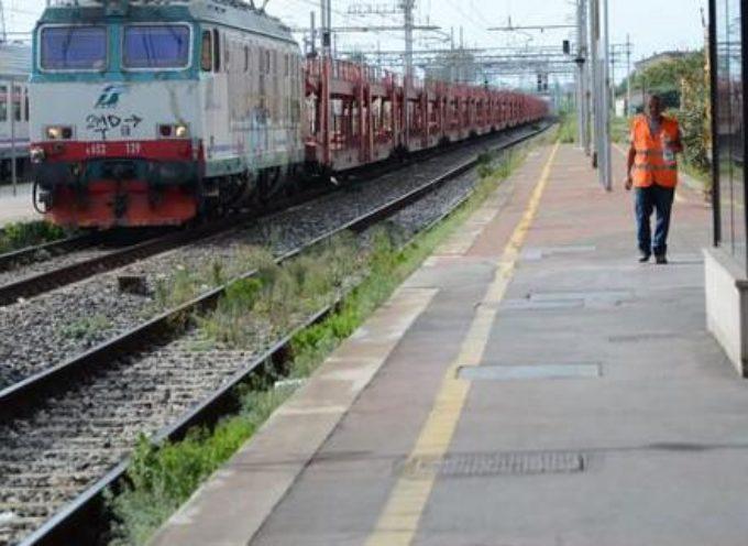 Undici nuovi monitor nelle stazioni ferroviarie della Lucchesia