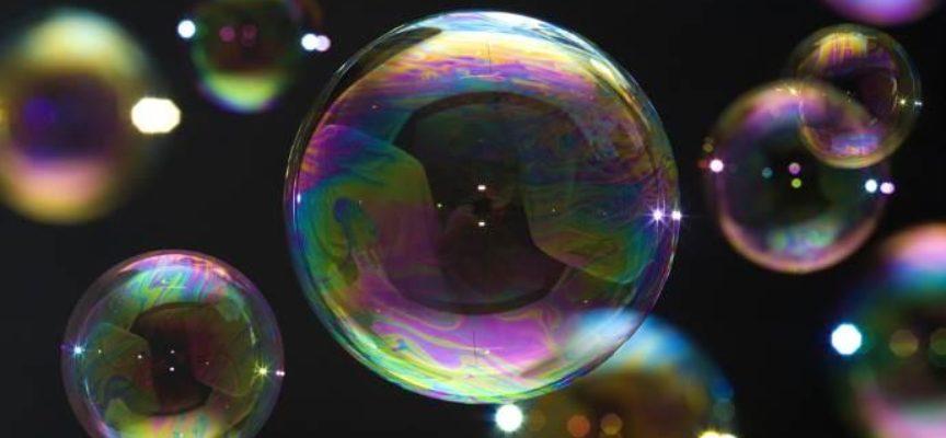 Il modo giusto per fare bolle di sapone perfette, secondo gli scienziati