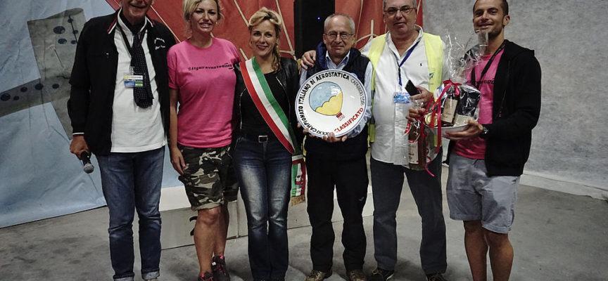 Festa dell'Aria 2018: John Aimo campione italiano di volo in mongolfiera.