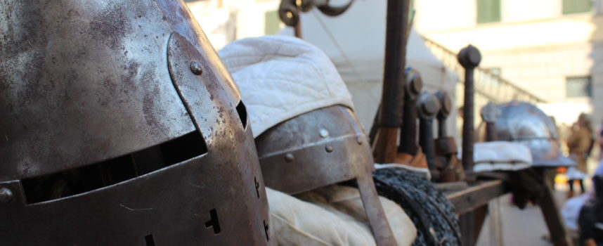 Ambulanti: c'è Pietrasanta Medievale, 30 posteggi per artigiani & hobbisti