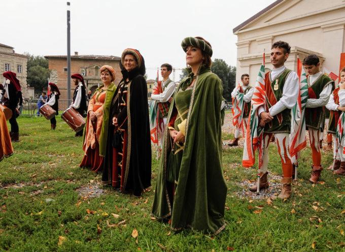 LUCCA – Negato l'utilizzo della piazza per la manifestazione di balestrieri e sbandieratori