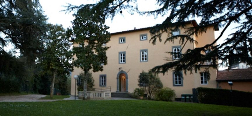 Villa Gherardi è una maestosa villa storica del '600. È situata nel cuore di Barga,