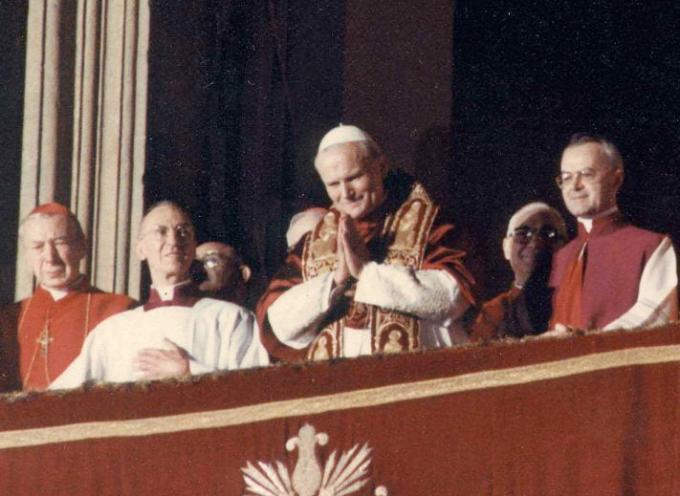 #Accaddeoggi il 16 ottobre 1978,   era stato eletto Karol Wojtyla,
