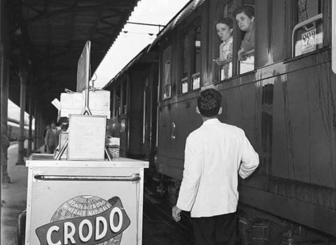 Quando il treno arrivava nelle stazioni,