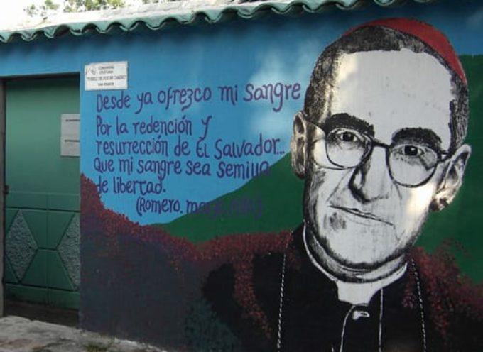 Oggi Papa Francesco proclamera' santo il vescovo Oscar Romero,