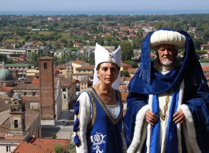 il Medioevo invade Pietrasanta dai Cavalieri della Rocca alla Compagnia della Spada,