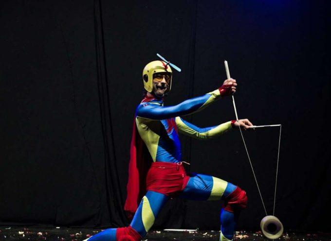 """Teatro Comunale """"Idelfonso Nieri"""" / Ponte a Moriano Compagnia I Chicchi d'Uva/I Karacongioli""""Super! Super! Super!"""""""