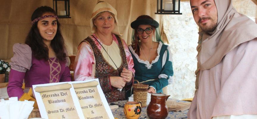 Eventi: duelli armati, spettacoli e danze, falconieri, mercatini ed esibizioni,lo show del Medioevo a Pietrasanta