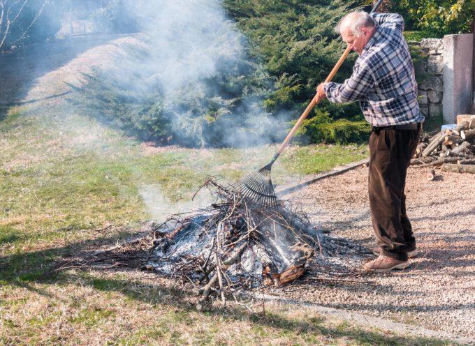 lucca –  vieta la bruciatura all'aperto di residui dell'attività agricola e forestale dal 1 novembre al 31 marzo fino a 200 metri sul livello del mare