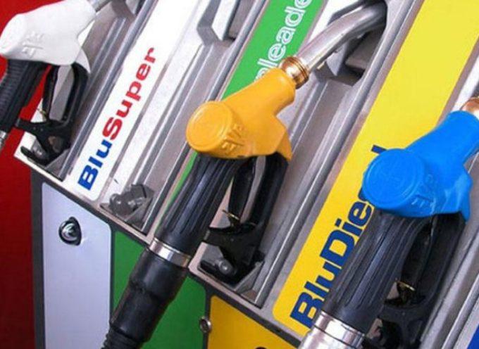 I carburanti cambiano nome: tutto quello che devi sapere sulla nuova etichettatura