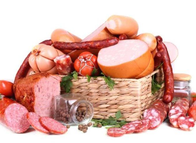 Salumi e salsicce aumentano il rischio di tumore al seno